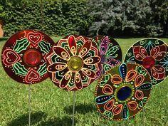 Como hacer Adornos de Jardín Reciclando CD´s ~ Disfruta Creando Arts And Crafts Projects, Diy And Crafts, Cd Project, Plastic Waste, Medium Art, Holidays And Events, Art For Kids, Cactus, Recycling