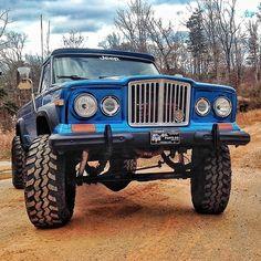 Jeep Wranger, Old Jeep, Jeep Pickup Truck, Lifted Ford Trucks, Jeep Gladiator, Custom Jeep, Custom Trucks, Jeep Brand, Badass Jeep
