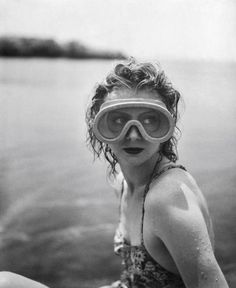 Jacques-Henri Lartigue : Mary Belewski, Cap d'Antibes, 1941