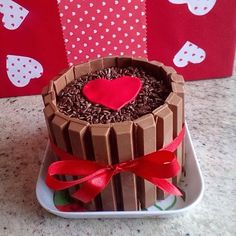 Hoje teve mini bolo de kitkat para o dia dos namorados! ❤️❤️ #minibolokitkat #diadosnamorados #seuamormerecechocolate