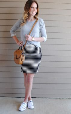 Gray sweater + Black and white striped skirt + White Converse // From my Grey Desk Switch to loafers, great work outfit Latest Summer Fashion, Summer Fashion Trends, Fashion 2017, Fashion Outfits, Skirt Fashion, Fashion Fashion, Fashion Women, Style Casual, Casual Fall Outfits