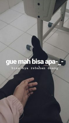 Me Quotes, Qoutes, Quotes Galau, Wallpaper Quotes, Captions, Humor, Instagram, Acute Accent, Quotations