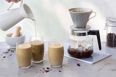 Iskaffe på japansk vis er varmbrygget kaffe over is. På denne måten ivaretas de delikate kaffearomaene og du får en kald kaffe du kan blande med krydret melk.