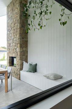 Outdoor Living Rooms, Outdoor Spaces, Living Spaces, Style At Home, Alfresco Designs, Alfresco Area, Natural Home Decor, Facade House, Inspired Homes