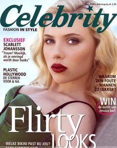 photo Scarlett Johansson couverture celebrity magazine regard femme fatale rouge levres intense haut sexy bretelles fines maquillage mascara allongee star cinema americaine sp046