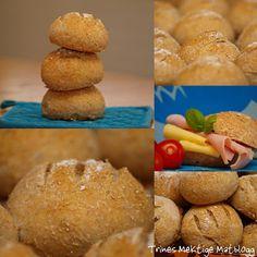 Grove rundstykker   TRINES MATBLOGG Cornbread, Hamburger, Rolls, Food And Drink, Baking, Ethnic Recipes, Bread Rolls, Buns, Bakken
