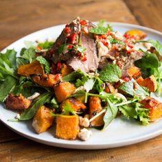 Thai beef salad with roast pumpkin, kaffir lime and peanuts - Nadia Lim Thai Beef Salad, Meat Salad, Chicken Salad, Salad Recipes Video, Healthy Salad Recipes, Savoury Recipes, Healthy Dinners, Healthy Eats, Healthy Foods
