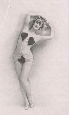 Vintage Lingerie Dancer, ca. Pin Up Vintage, Vintage Glamour, Photo Vintage, Vintage Beauty, Vintage Ladies, Vintage Fashion, Edwardian Fashion, Gothic Fashion, Vintage Burlesque