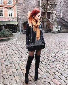 Find images and videos about style, rock and mode on We Heart It - the app to get lost in what you love. Edgy Outfits, Grunge Outfits, Cute Outfits, Fashion Outfits, Fashion Trends, Fashion Styles, Punk Fashion, Grunge Fashion, Womens Fashion