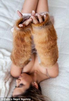 Cosy: Red fox gauntlet gloves