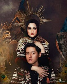 """""""Queen of Peacock"""" . Foto Wedding, Traditional Dresses, Wedding Cakes, Photoshoot, Poses, Couples, Wedding Dresses, Peacock, Photograph"""