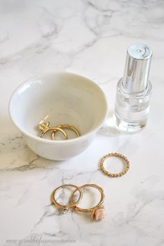 Keep your inexpensive rings from turning your fingers green and discoloring. Follow this simple steps. #rings #jewelry www.sprinkleofcinnamon.com