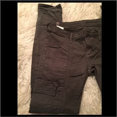 """Citizens of humanity Inseam:30"""" long Rise:8 """" pre loved excellent condition no holes or stains. Awesome color100% imported fabrics 55% cotton 42%lyocell 3% polyurethane Citizens of Humanity Jeans Skinny"""