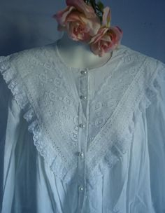 Vintage White Cotton Nightgowns | Vintage French Maid White Cotton Nightgown Nightshirt Abaya Fashion, Lolita Fashion, Cotton Nighties, White Nightgown, Vintage Outfits, Vintage Fashion, Kurti Neck Designs, Vintage Lingerie, Vintage Cotton