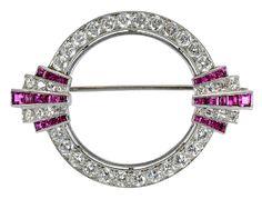 Art Deco Platinum & Diamond Brooch (jm)