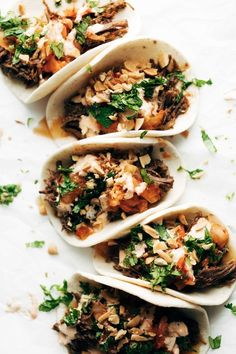 Instant Pot Korean Beef Tacos – Oh. garlic ginger beef, kimchi, cilantro, spicy mayo, peanuts… these are so good! Beef Recipes, Mexican Food Recipes, Dinner Recipes, Cooking Recipes, Healthy Recipes, Ethnic Recipes, Healthy Tacos, Chicken Recipes, Instant Pot Pressure Cooker