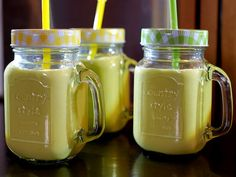 Smoothie banaan, mango, kiwi en avocado