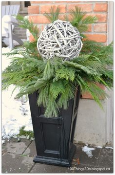 100 Things 2 Do – DIY(tutorial)  Porch Planters for Christmas