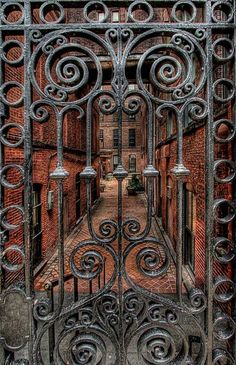 Ideas For Grill Door Design Wrought Iron Garden Gates Old Doors, Windows And Doors, Iron Windows, Entry Gates, Entrance, Art Nouveau, Wrought Iron Gates, Metal Gates, Iron Work