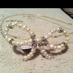Bow freshwater pearl headband