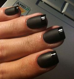 Mattened Makeover Nail Lacquers - Deborah Lippmann's Matte Top Coat Gets Rid of Luster (GALLERY)
