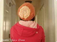 Super Cute DIY Crochet Slouchy Hat in peach