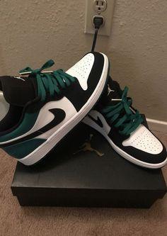 Jordan Shoes Girls, Air Jordan Shoes, Girls Shoes, Michael Jordan Shoes, Jordan Outfits, All Nike Shoes, Hype Shoes, Kd Shoes, Running Shoes