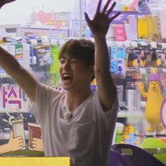 Jungkook Cute, Foto Jungkook, Foto Bts, Bts Taehyung, Bts Jimin, Bts Aesthetic Pictures, Googie, Bts Korea, Bts Lockscreen