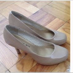 Patent nude/tan pumps Purchased from another posher, but have not worn them myself. They are in excellent condition from a pet friendly and smoke free home. Photos are from her original listing, @leangd. Any questions, please ask. Madden Girl Shoes