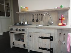 Kitchen for kids, wow!