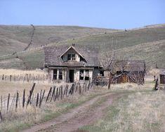 Old farm house of ye
