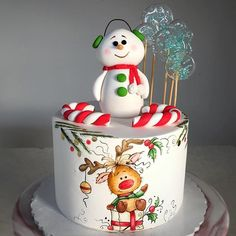 30 ideas for cookies christmas fondant buttercream frosting Christmas Cake Designs, Christmas Cake Decorations, Christmas Cupcakes, Holiday Cakes, Christmas Desserts, Christmas Treats, Christmas Baking, Snowman Cake, New Year's Cake