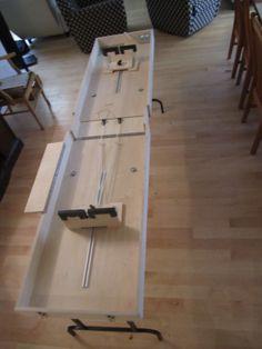 Folding ski tuning table