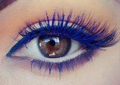 blue mascara-makeup