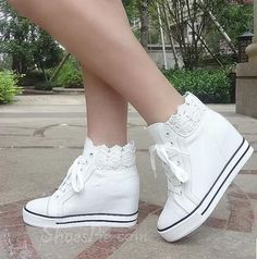 Flats Online for Sale Wedding Sneakers, Lace Sneakers, Wedding Shoes, Wedding Wedges, Trendy Shoes, Cute Shoes, Fashion Flats, Sneakers Fashion, Fashion Souls