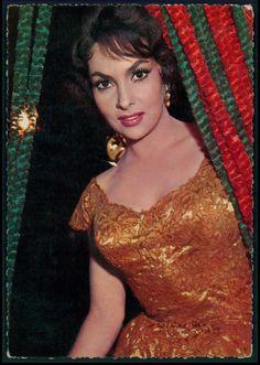 Gina Lollobrigida Movie star cinema original old from c1950s postcard