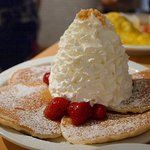 原宿 Eggs'n Things Love Cafe, Camembert Cheese, Pancakes, Cheesecake, Dairy, Pudding, Sweets, Breakfast, Desserts