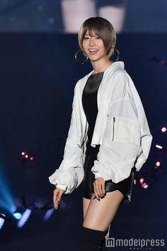 Rain Jacket, Bomber Jacket, Japan Girl, Girl Group, Windbreaker, Idol, Kawaii, Actresses, Celebrities