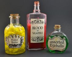 Grab the free printable to make these cute and creepy apothecary jars!