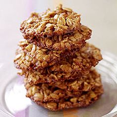 Extra Off Coupon So Cheap Oatmeal-Pecan Lace Cookies-This is a low calorie low carb and WW 3 Points per serving recipe. Cookies per serving). Makes 36 cookies. Points Plus Recipes, Ww Recipes, Great Recipes, Cookie Recipes, Favorite Recipes, Healthy Recipes, Healthy Foods, Healthy Eating, Healthy Options