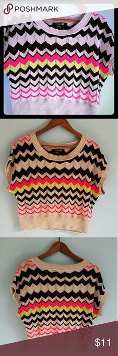 Chevron Crop Top Forever 21 Chevron Crop Top Sweater. Forever 21 Tops Crop Tops