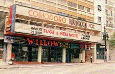 1988 - Cine Comodoro na avenida São João.