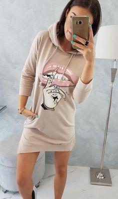 Športové šaty béžové s potlačou Shirt Dress, T Shirt, Graphic Sweatshirt, Sport, Sweatshirts, Sweaters, Dresses, Fashion, Supreme T Shirt