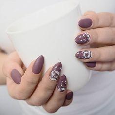 Jak Wam się podobają najnowsze paznokcie @agnes.carter? Dobrze mieć pod ręką modelkę z taką płytką! Ciężej sprostać jej wymaganiom...  #semilac #patamaluje #nails #hybrid #hybrydy #seminails #semigirl #uv #led #manicure #stylishbrown #totalmat #mattenails #whitecreamart #diy #handmade #brush #pattern #toptotalmat #paznokcie #nägel #claws #nailart