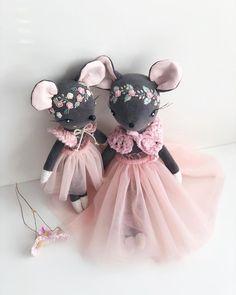 Tilda Toy, Handmade Stuffed Animals, Diy Baby Gifts, Fabric Toys, Baby Keepsake, Sewing Dolls, Soft Dolls, Stuffed Animal Patterns, Felt Toys