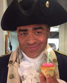 Two of my favorite things, Chris Jackson and cupcakes.