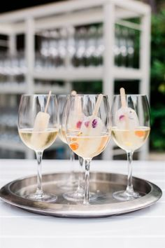 wedding ideas glass of champagne or prosecco with popsicle inside edible flowers Glass Of Champagne, Wedding Photos, Wedding Ideas, Edible Flowers, Prosecco, Rehearsal Dinners, Popsicles, Real Weddings, Alcoholic Drinks