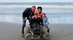 De twaalfjarige Daan is meervoudig gehandicapt. Zijn ouders kunnen de zorg niet meer aan en gaan op zoek naar een nieuw thuis.