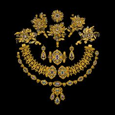 Neoclassical Empire style  (early 18th and 19th century)   Parure of topaz and aquamarine