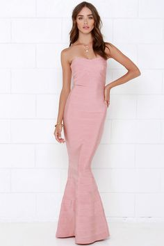Maxi dress on short person song